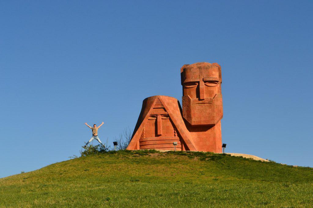 Мы наши горы — монумент на вершине холма при въезде в город Степанакерт, установленный в 1967 году и отреставрированный в 2013 году. В народе называется также «Дед и баба». Изваянный из красного туфа монумент символизирует кровную связь между карабахской землей и народом.