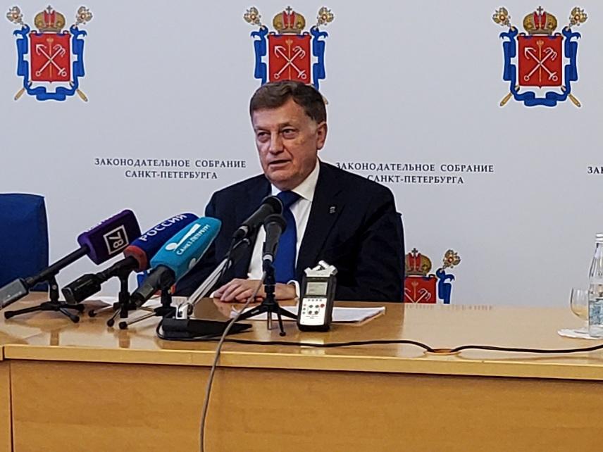Вячеслав Макаров напомнил про понятие «дебилы» и признался, что у него 100%-ное зрение